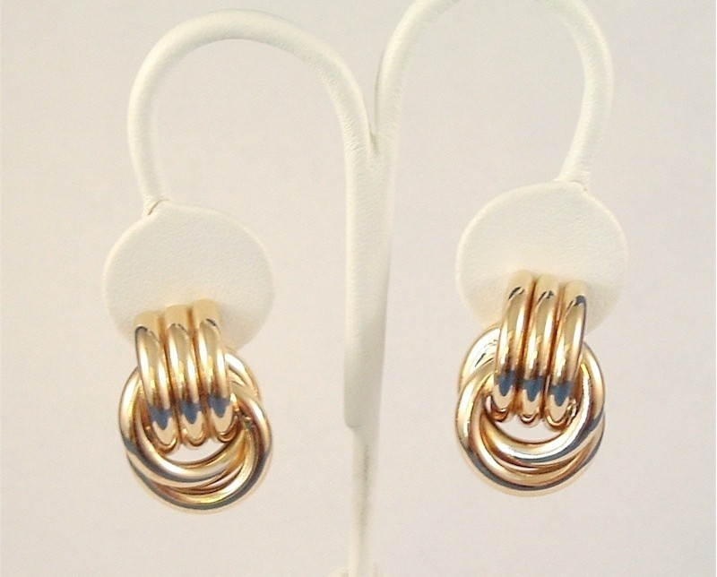 Vintage Clip On Earrings Polished Ribbed Style Goldtone