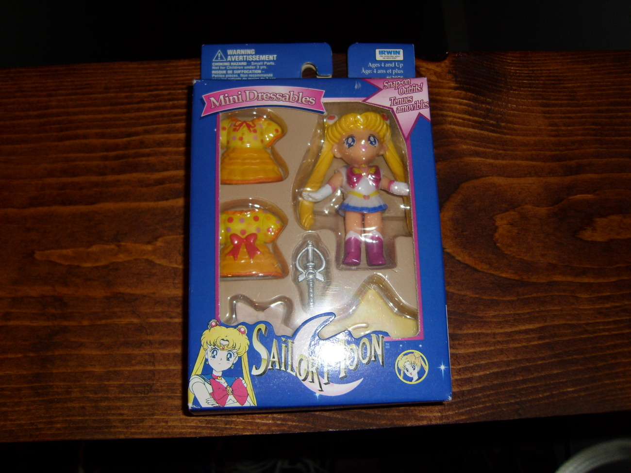 Sailor Moon MIB Mini Dressables snap on clothing set by Irwin