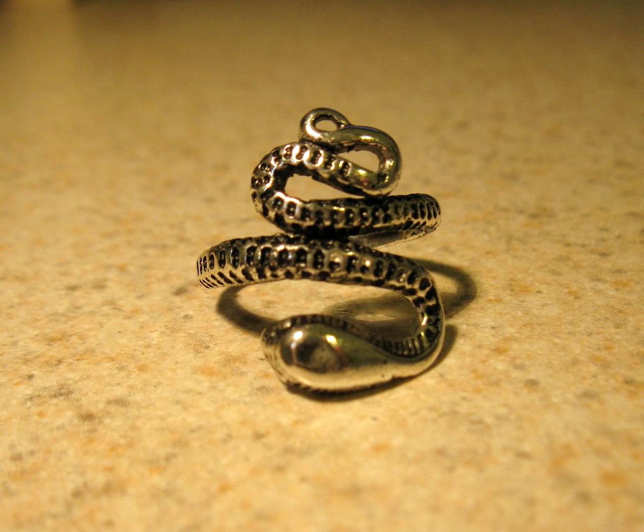 RING MEN WOMEN UNISEX STAINLESS STEEL SILVER SNAKE SIZE 7.5