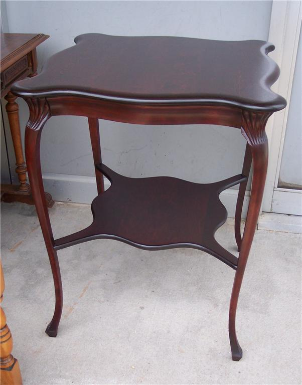 Mahogany 2-Tier Curved Top Parlor Table/Lamp Table
