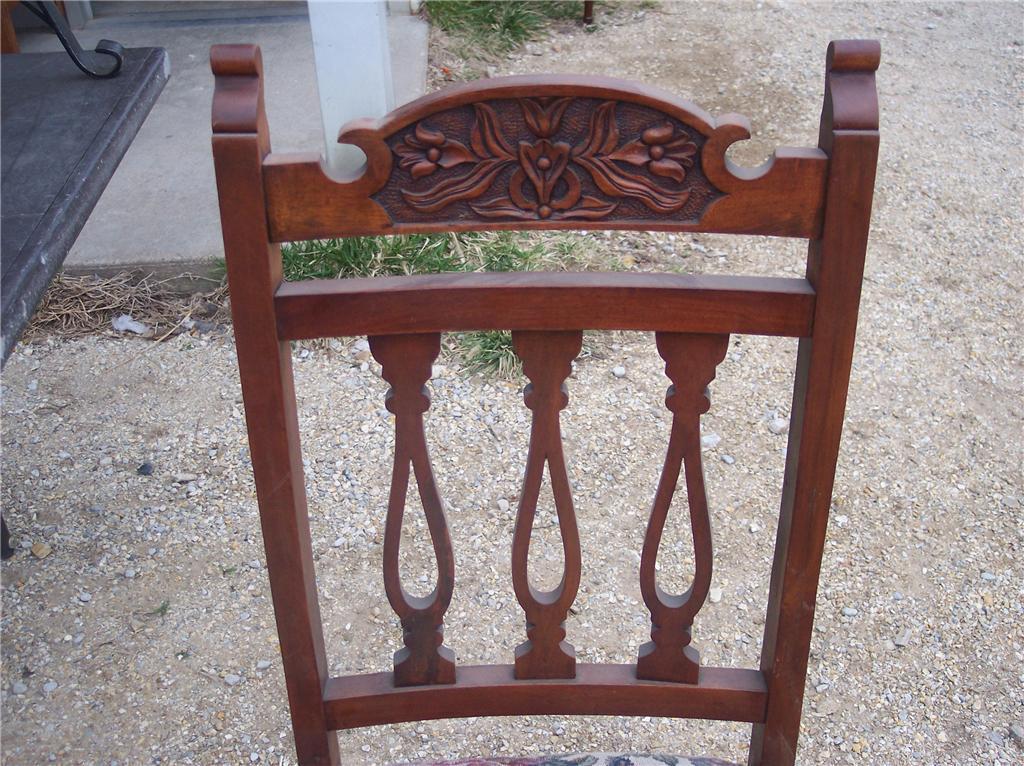 Walnut Carved Edwardian Sidechair Parlor Chair