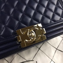 AUTHENTIC CHANEL DARK BLUE QUILTED LAMBSKIN MEDIUM BOY FLAP BAG LIGHT GOLD HW image 4