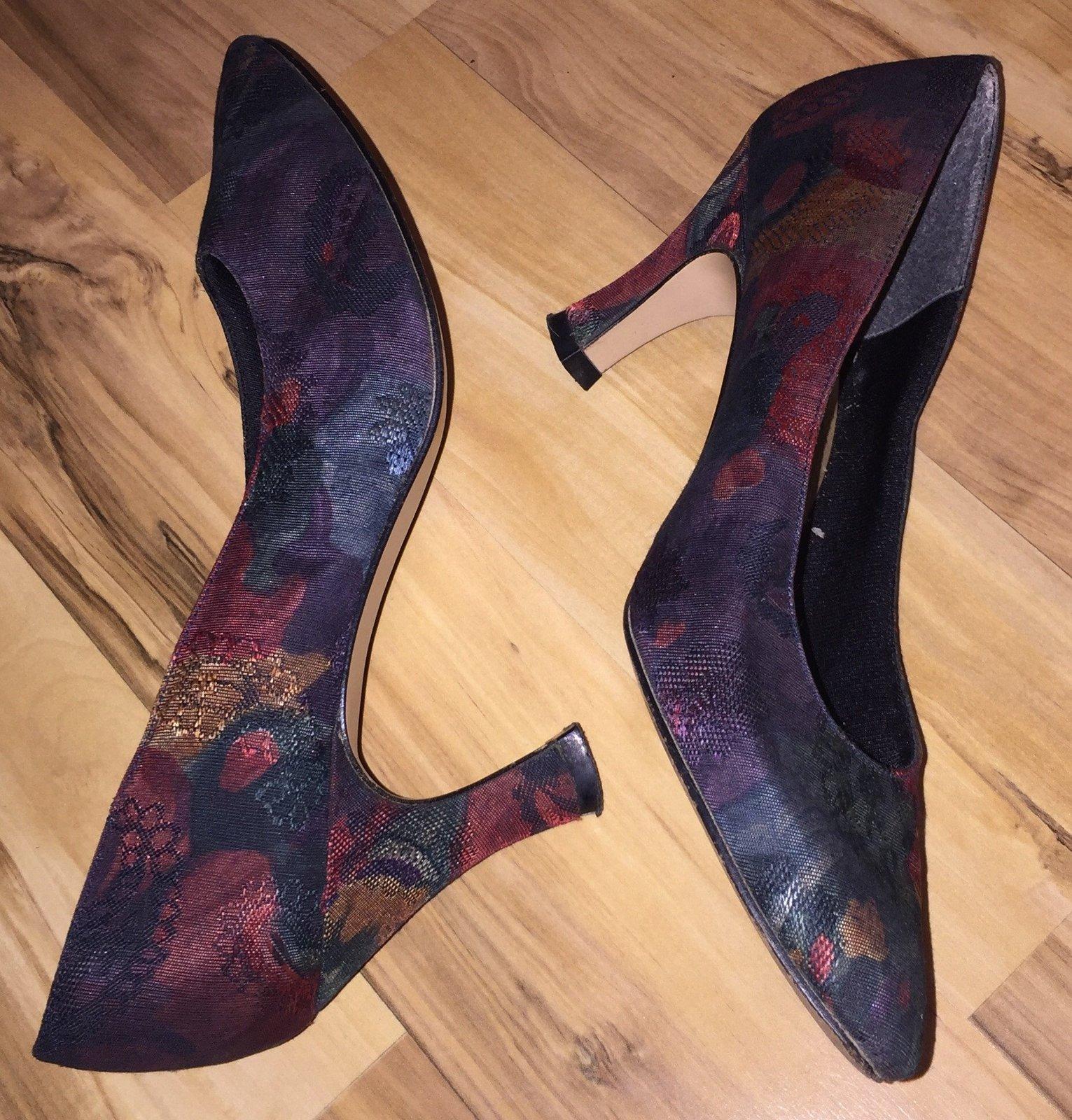 Life Stride Vintage Shoes Size 8N Floral Tapestry Elegant