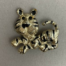 Gold Tone Tiger Brooch Pin Vintage Gold Tone Cartoonish Cute - $11.84