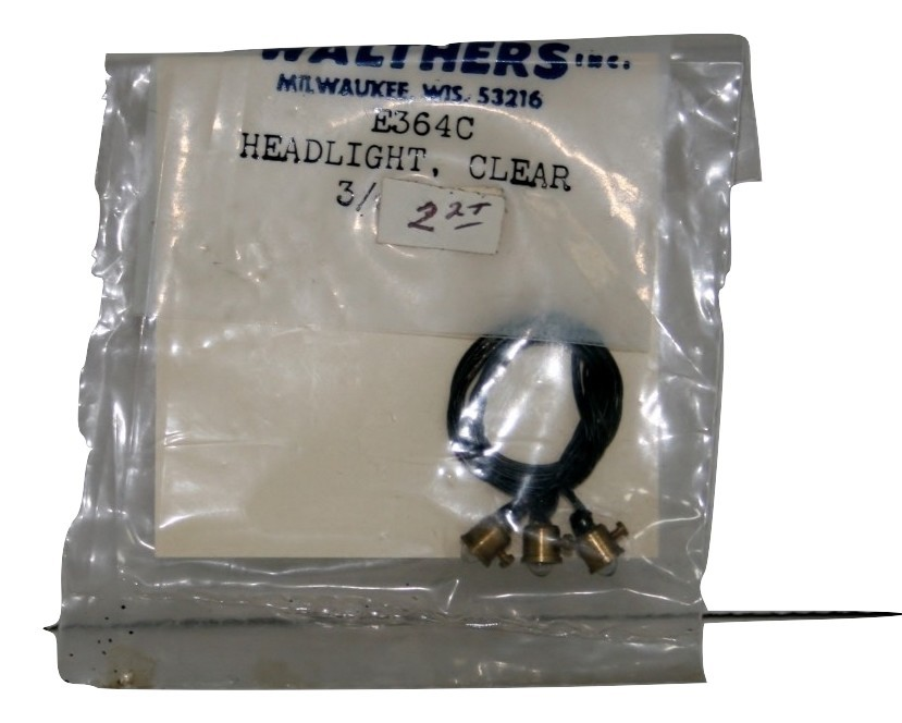 Walthers,  E364C Head Light Clear, 3 new in package HO,