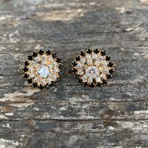 SO PRETTY! VINTAGE Rhinestone Stud Earrings-- Gold tone-- Pierced--094 - $7.91