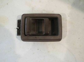 Front Driver Interior Door Handle 93 Nissan Pick Up R201565 - $16.97