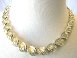 Vintage CORO Gold Tone Leaf Necklace - $19.00