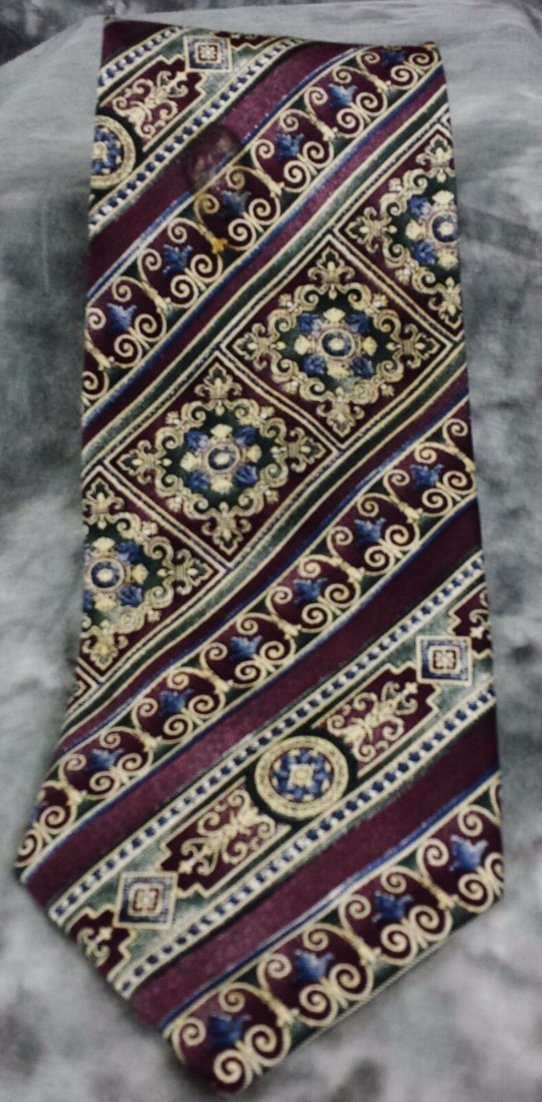 Primary image for BILL BLASS MEN'S NECKTIE 100% SILK WPURPLE BLUE AND IVORY DESIGN