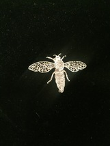 60s Alice Caviness silver filagree bee/bug/insect brooch with moveable wings image 3