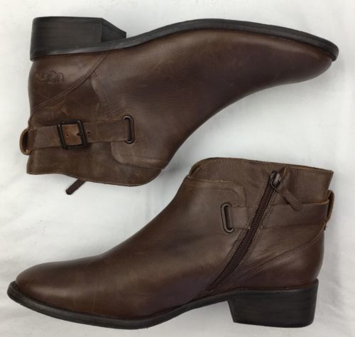 5890d711955 Womens Ugg Australia Boots Barnett Leather and 50 similar items