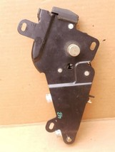 05-08 Chrysler Crossfire Convertible Top Tonneau Storage Latch W/ Clydinder image 1