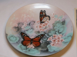 On Gossamer Wings Monarch Butterflies Lena Liu collector plate 1st 1988 #% - $26.72