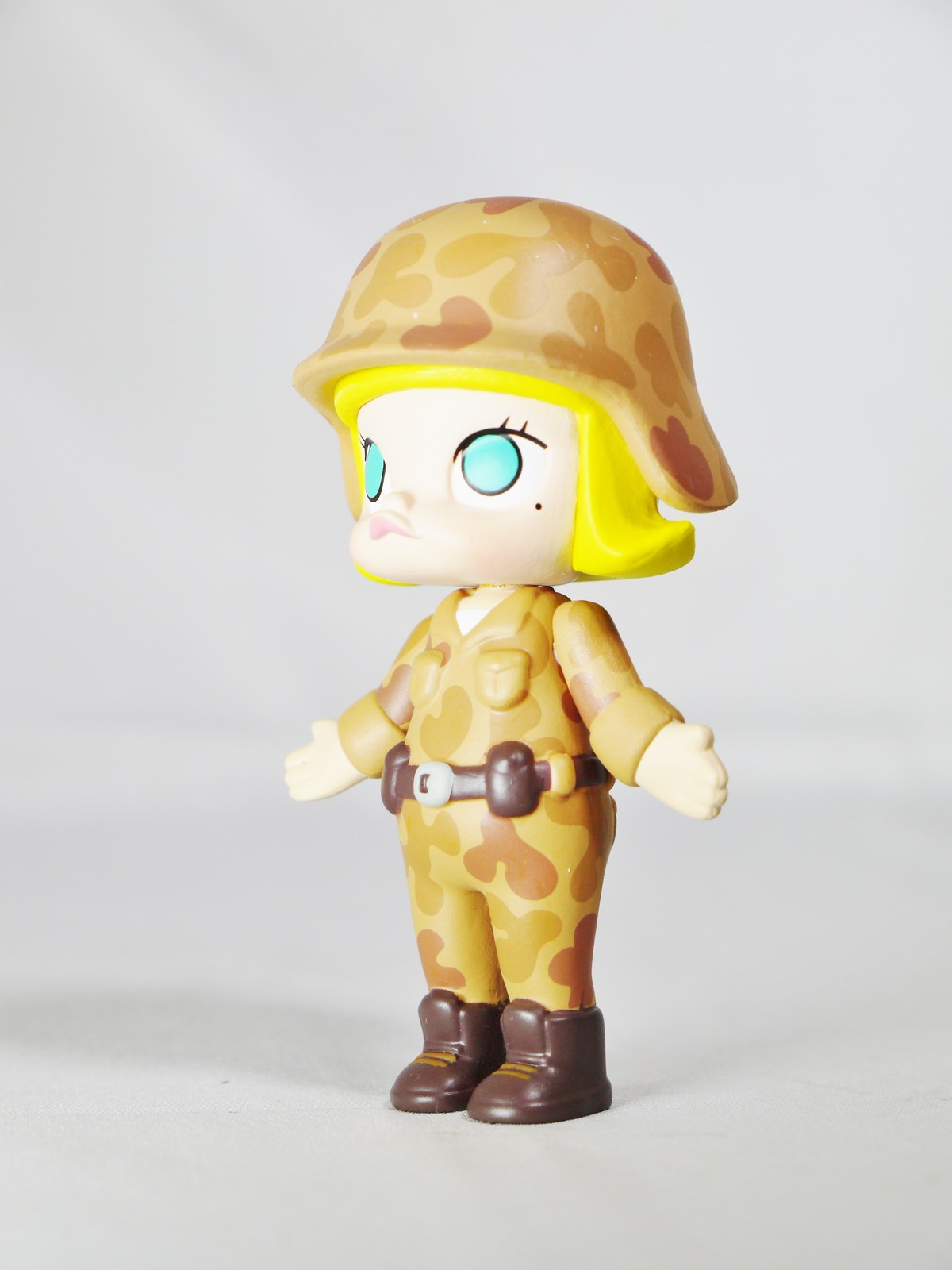 Hong Kong POP MART Kennyswork BLOCK Little Molly Career Series Solider Brown