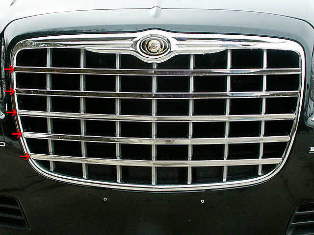05-05 CHRYSLER 300 4dr QAA Stainless 5pcs Grille Accent SG45760