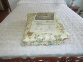 """NIP Thomaston STRATFORD FLORAL Cotton/Poly QUILTED BEDSPREAD - 94"""" x 108"""" - $29.65"""