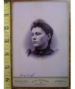 CABINET CARD PHOTO PRETTY LADY VIGNETTE STYLE NAMED IOWA! c.1866-80 - $6.00