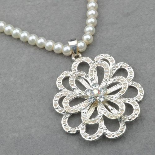 Gallant flower pearl 1