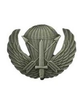 US Army Special Forces Airborne Parachute Wings Lapel Pin Badge 1.75 Inches - $9.89