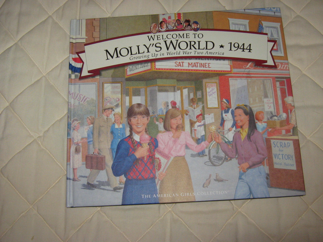 Primary image for American Girl 'Molly' Book