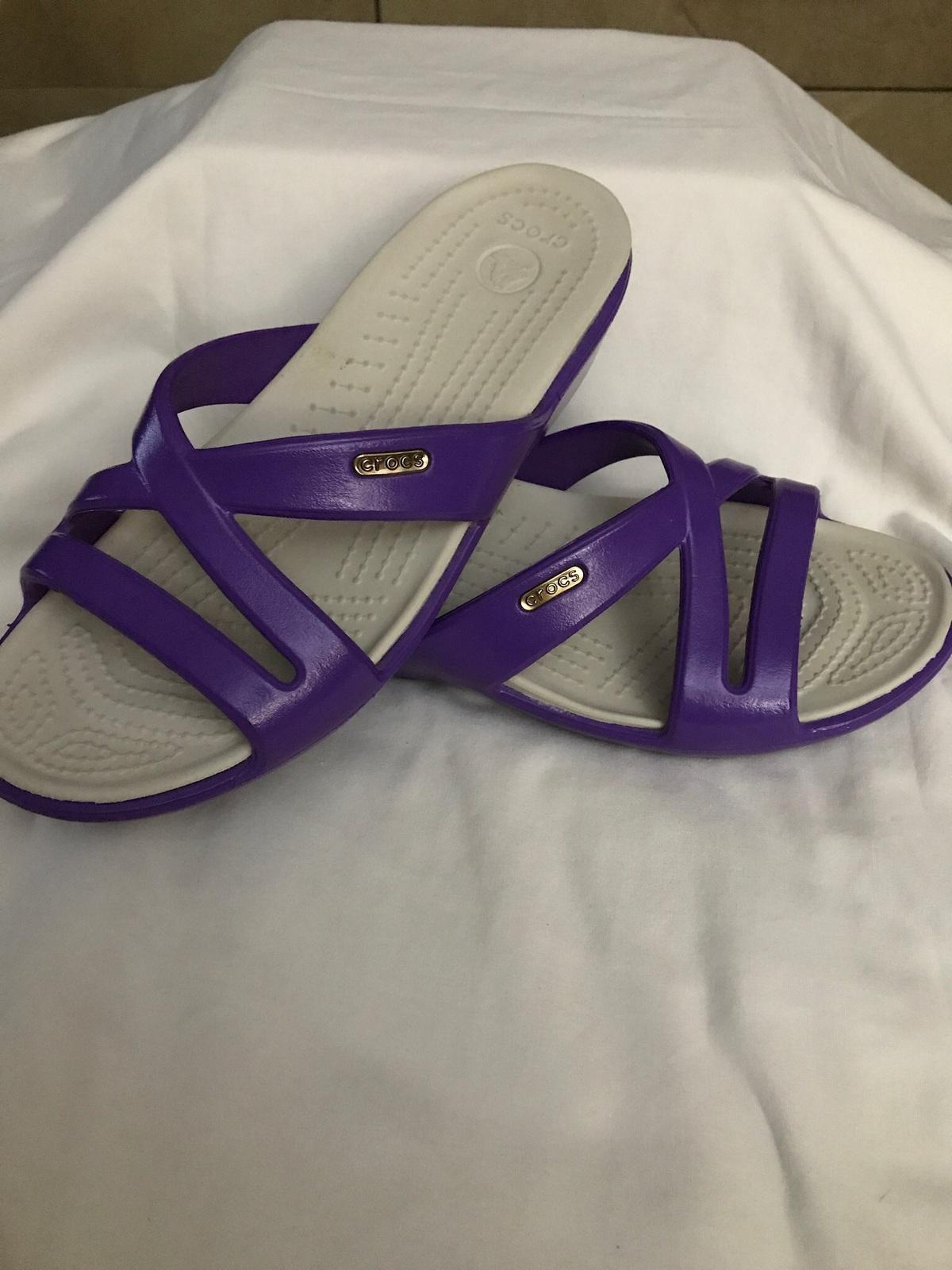 Women's Purple Crocs Size 7