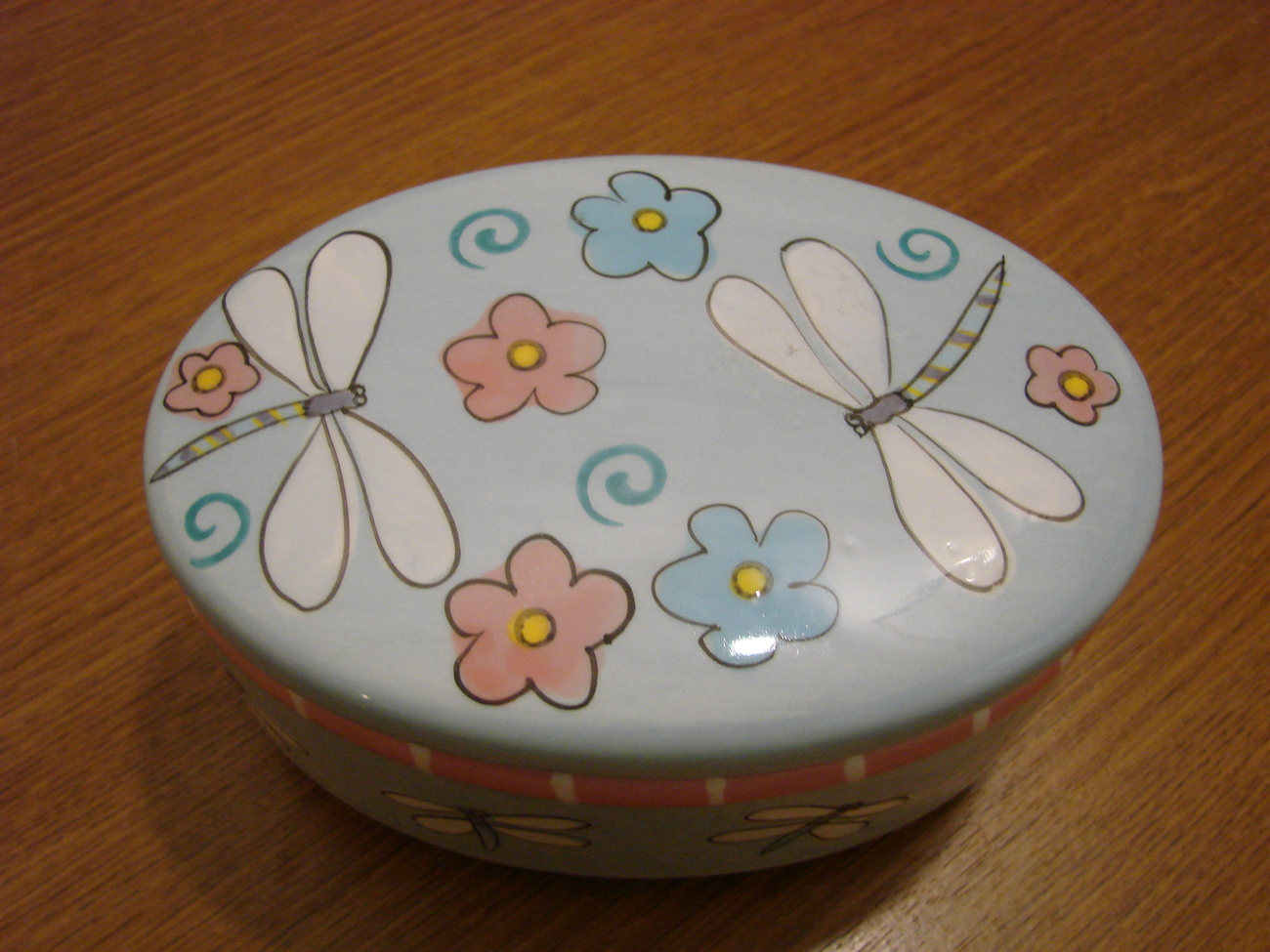 Ceramic Handpainted Dragonfly and Flower Trinket Box