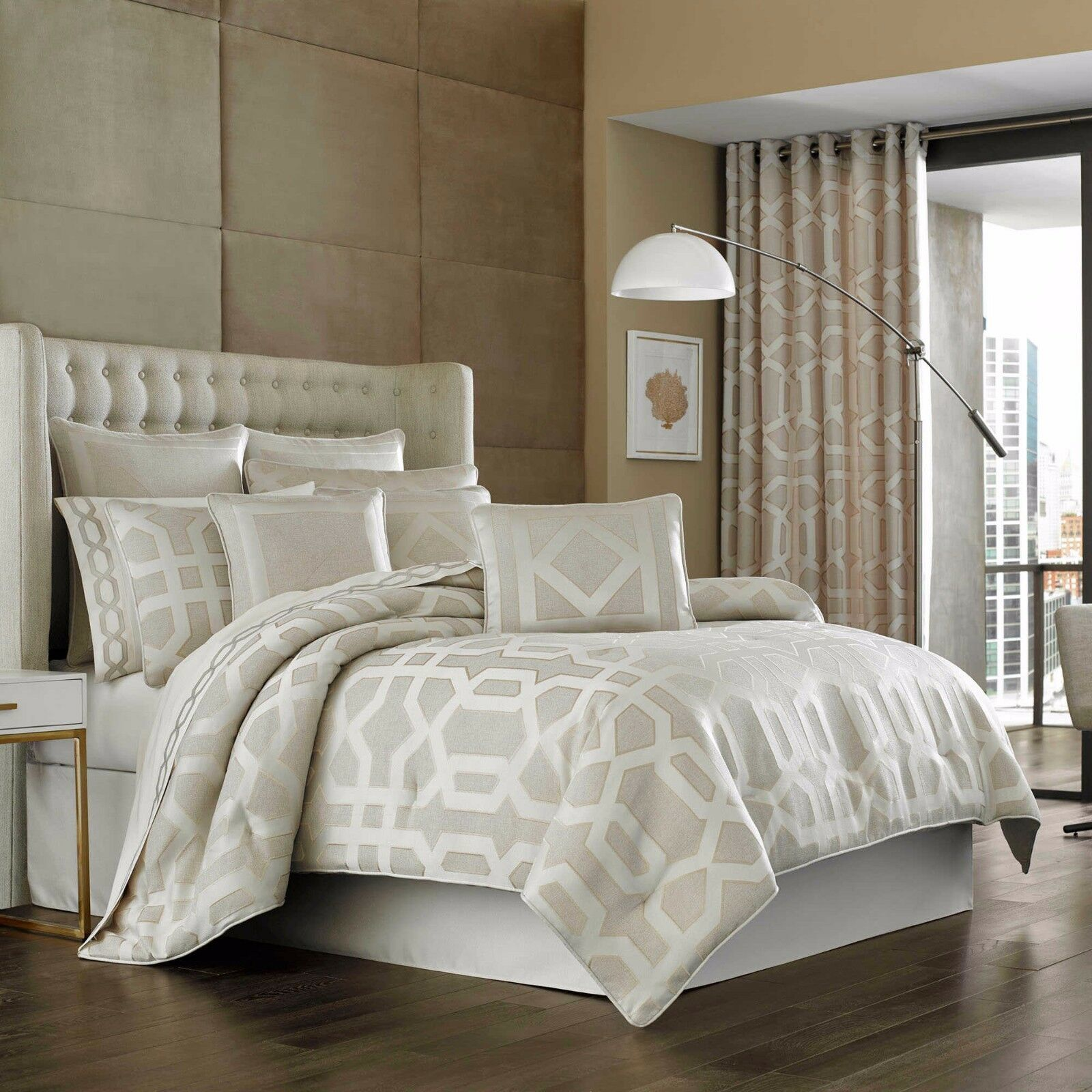 Primary image for New J. Queen New York Kingsgate 4 Piece Queen Comforter Set Ivory