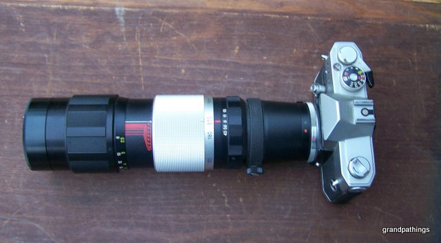 Vintage Petri FT EE Camera, with f 80 200mm Lens