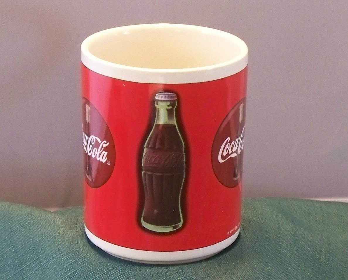 Traditional Coca Cola 14 Oz Coffee Mug 1998 VGC By Gibson