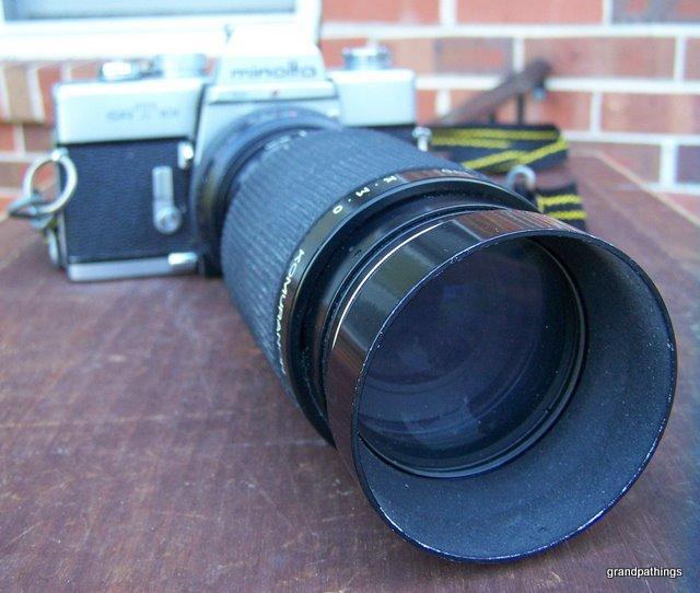 VINTAGE SR T 101 Minolta Camera w/KOMURANON 821-S zoom f 80