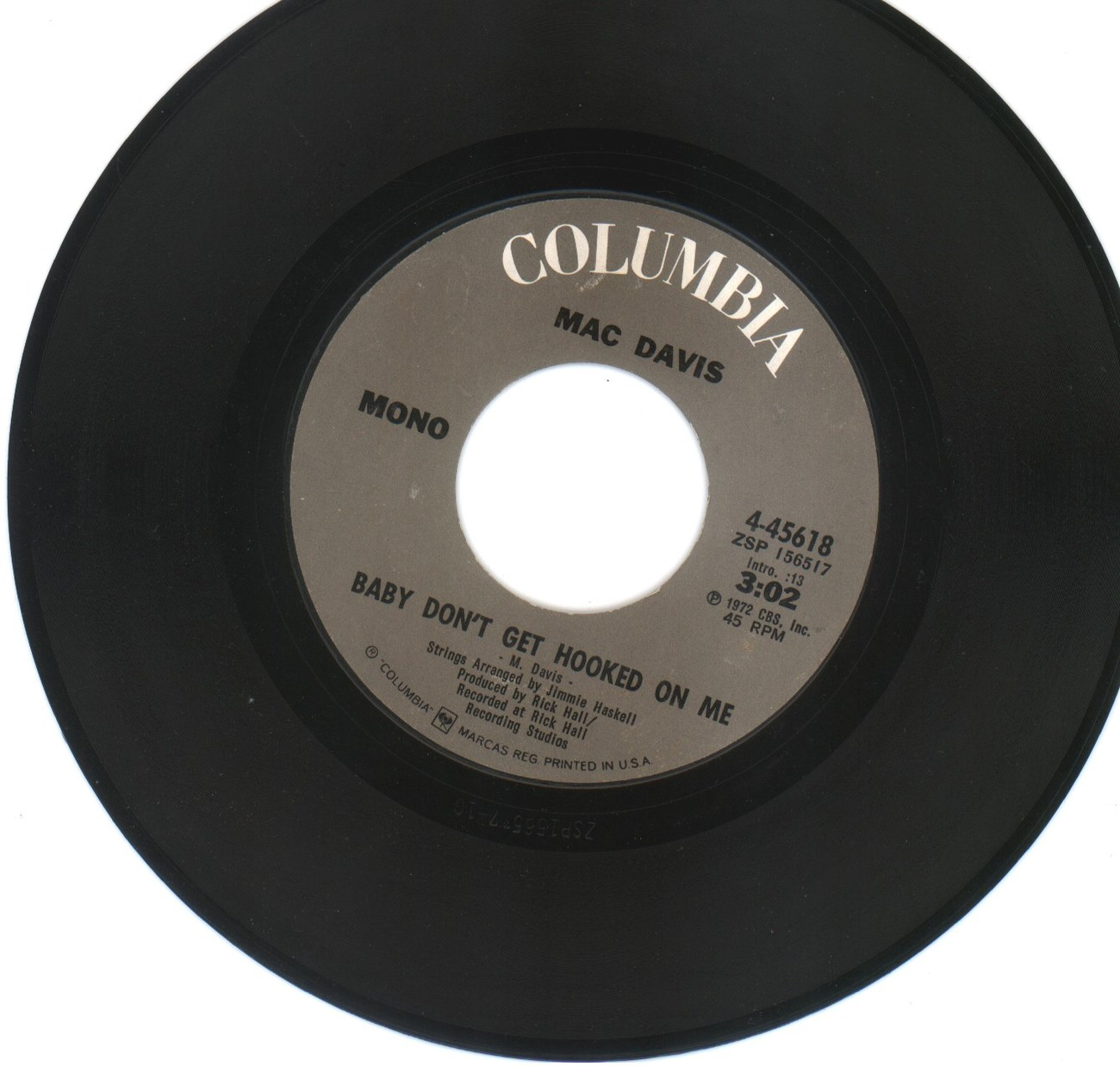 MAC DAVIS 45 rpm Baby Don't Get Hooked On Me