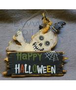 Small Skull and Crossbones Happy Halloween Primitive Sign Ornament - $4.99