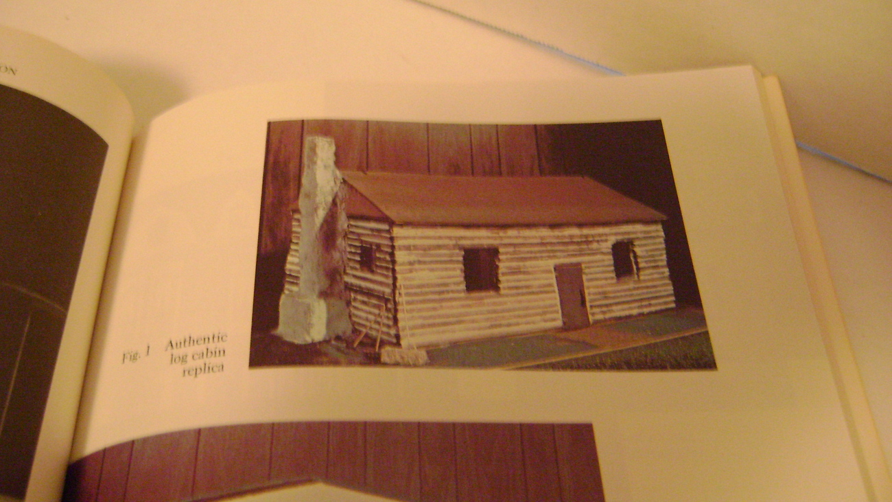 Dollhouse Construction and Restoration by Glenn Joyner