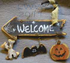 Small Bones Jack-o-lantern Bat Welcome Halloween Arrow Primitive Sign Or... - $4.99