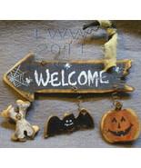 Small Bones Jack-o-lantern Bat Welcome Halloween Arrow Primitive Sign Or... - $4.99