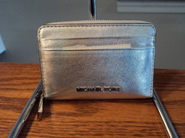 Authentic Michael Kors Money Pieces  Card Case Wallet Silver Leather NWO... - $39.59