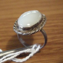 Sterling Silver Ring Sz6 White Agate Oval - $29.00