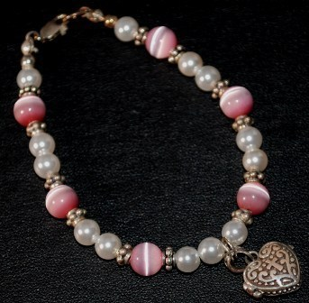 Pink cats eye   pearl bracelet w heart pryer box