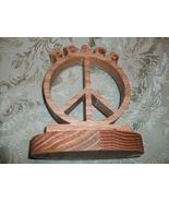 Wooden Peace sign display - $335,47 MXN