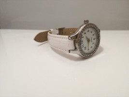 Ladies Dimond Watch / ladies watch   / quartz watch  / watch / vintage /... - $24.99