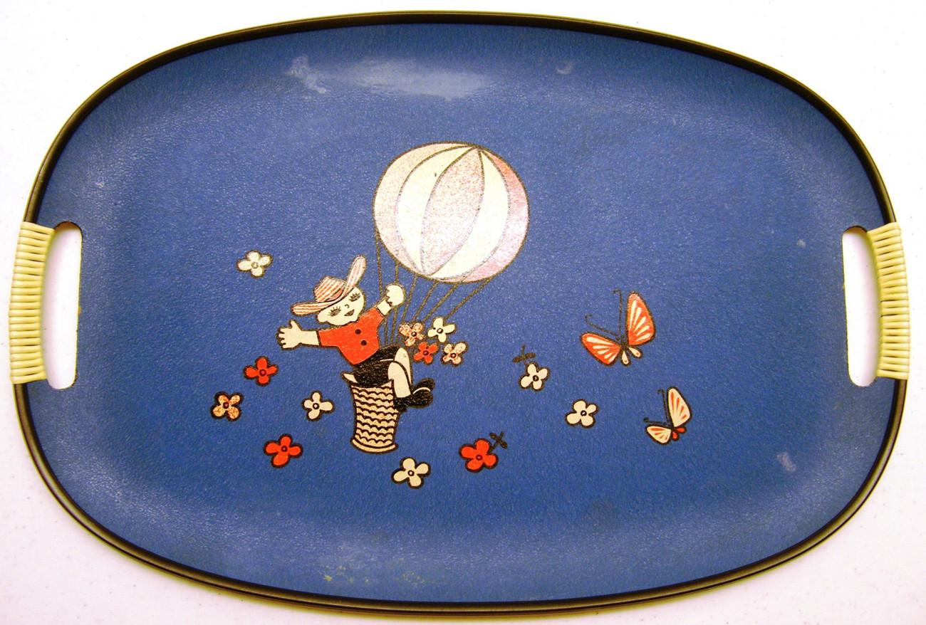 Set of Vintage Oval Trays (4)