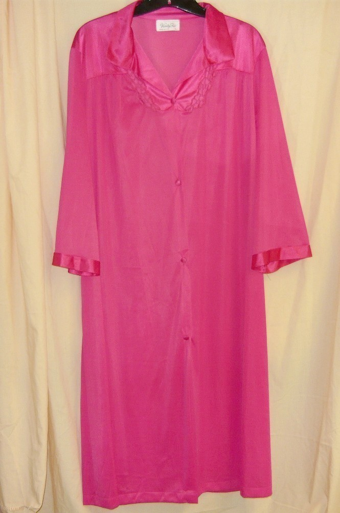 5e208f743bd Vanity Fair Hot Pink Lingerie Robe L and 50 similar items