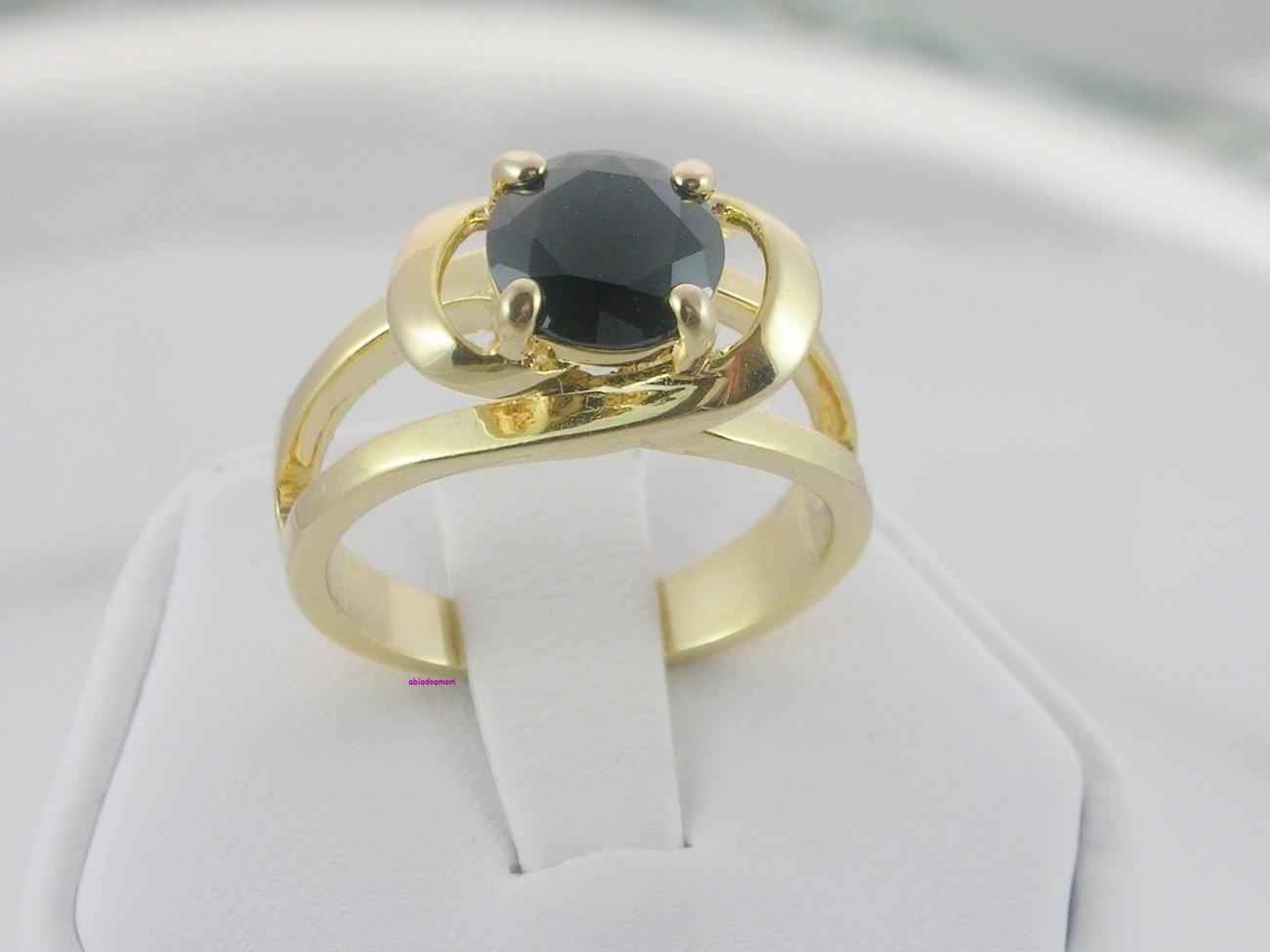 Ladies Ring Black Diamond Cut Solitaire Size 7
