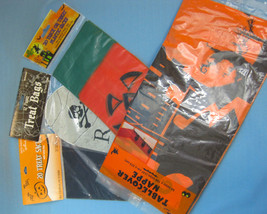 Halloween Trick or Treat Bags & Party Table-Cover Pumpkins RIP Lot of 4 - $30.77 CAD