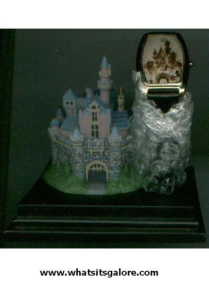 EVERLASTING TIME WALT DISNEY WORLD WATCH with castle display base