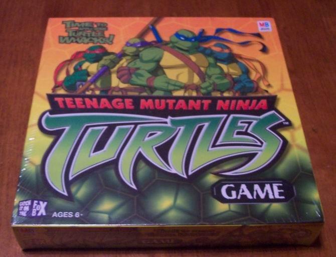 TEENAGE MUTANT NINJA TURTLES BOARD GAME NEW