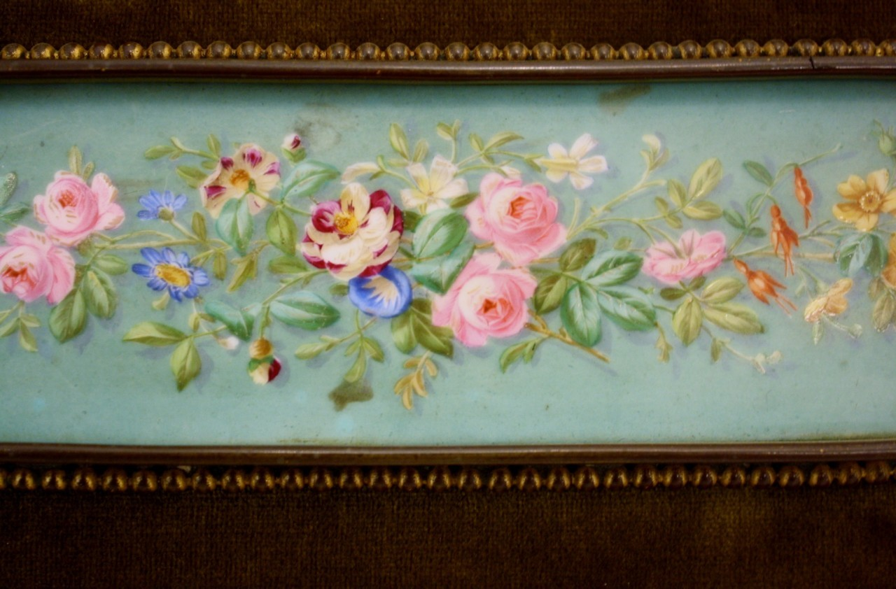 C1900 FRENCH HAND PAINTED PORCELAIN PLAQUE GILDED FRAME