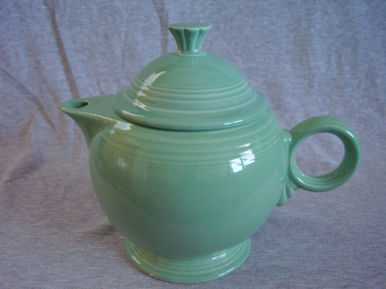 Fiestaware Contemporary Seamist Large Teapot with Lid