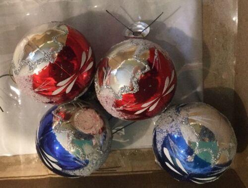 Vintage CHRISTMAS TREE ORNAMENTS  Hand Painted Glass Balls image 3