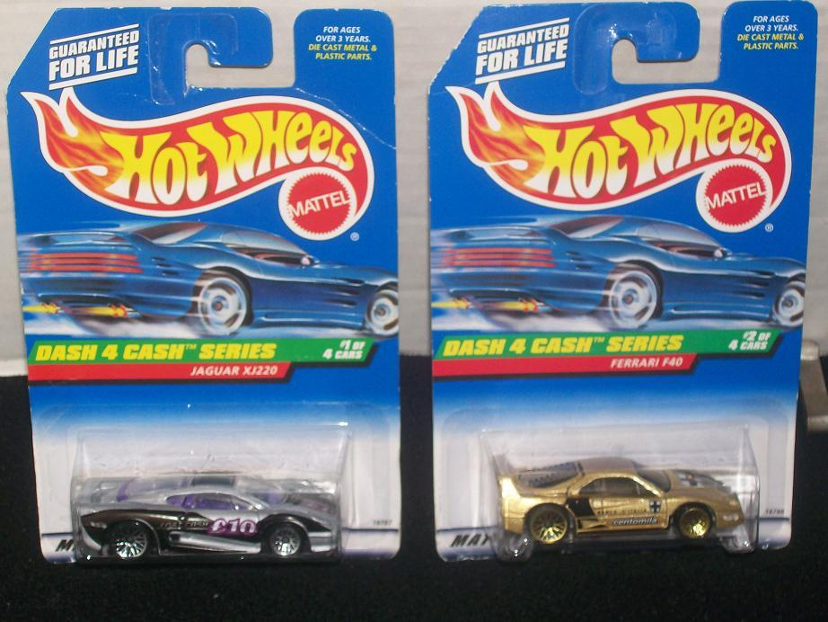HOT WHEELS 1998 DASH 4 CASH SERIES SET Of 4
